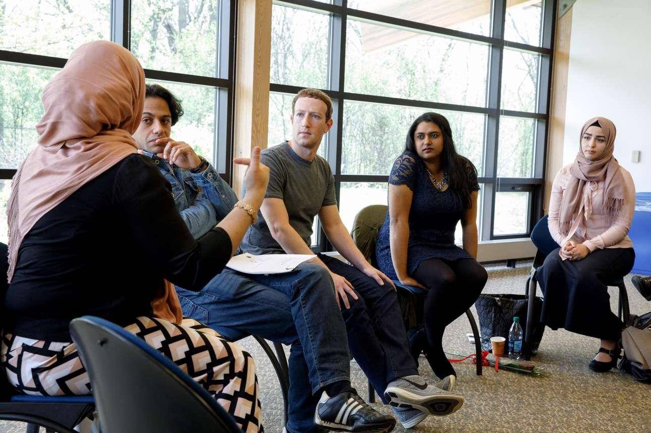 Απρίλιος 2017. Με μουσουλμάνες φοιτήτριες στο Πανεπιστήμιο του Μίσιγκαν. Συζητώντας το πόσο έχει επηρεάσει τη ζωή τους η εκλογή Τραμπ