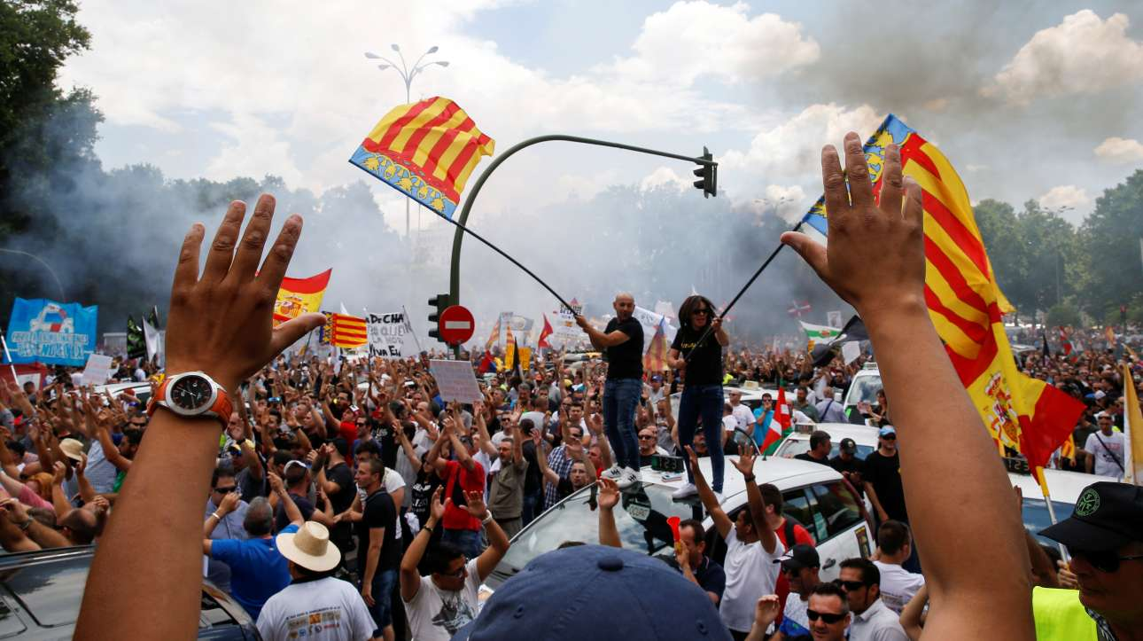 2017-05-30T130940Z_698524646_RC15274106A0_RTRMADP_3_UBER-SPAIN-PROTEST