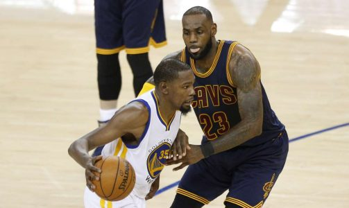 2017-06-02T042242Z_1549453666_NOCID_RTRMADP_3_NBA-FINALS-CLEVELAND-CAVALIERS-AT-GOLDEN-STATE-WARRIORS