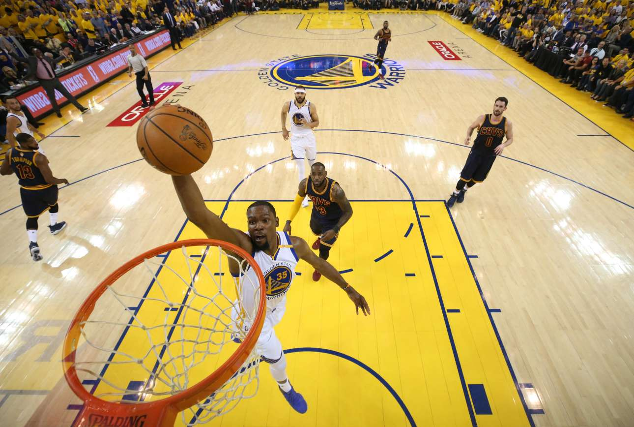 2017-06-02T045203Z_138466840_NOCID_RTRMADP_3_NBA-FINALS-CLEVELAND-CAVALIERS-AT-GOLDEN-STATE-WARRIORS