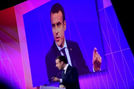 2017-06-15T174847Z_1562341197_RC14D4F660A0_RTRMADP_3_FRANCE-TECH-MACRON