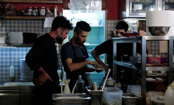 2017-06-20T124727Z_370015002_RC17F8436C80_RTRMADP_3_REFUGEE-DAY-GREECE-CHEF