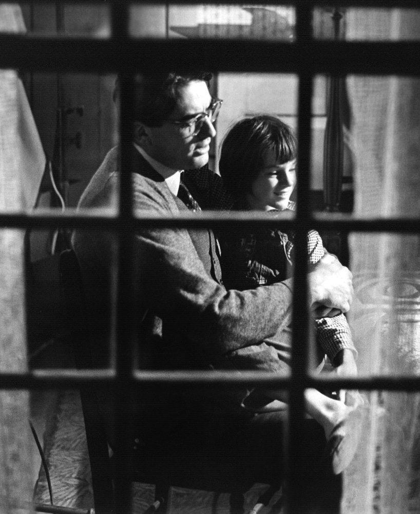 Γκρέγκορι Πεκ και Μαίρη Μπάνταμ. Ατικους Φιντς και Ζαν-Λουίς Φιντς, ή αλλιώς πώς υπερασπίζεσαι τα δικαιώματα των Αφροαμερικανών στον αμερικανικό νότο στα 60s όντας μπαμπάς. Κερδίζεις Οσκαρ για το «Σκιές στη Σιωπή» (1962)