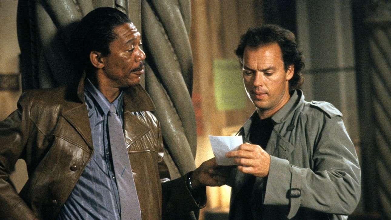 Με τον Μάικλ Κίτον στο «Clean and Sober» (1988)