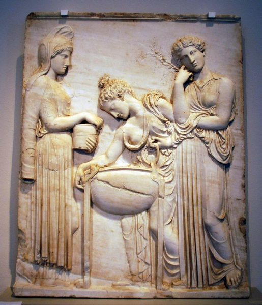 Relief_of_Medea_and_the_Peliades_Antikensammlung_Berlin