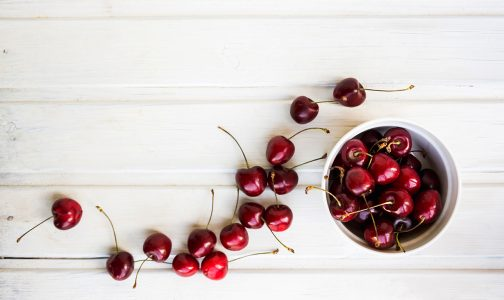 cherries in bowl_451333045