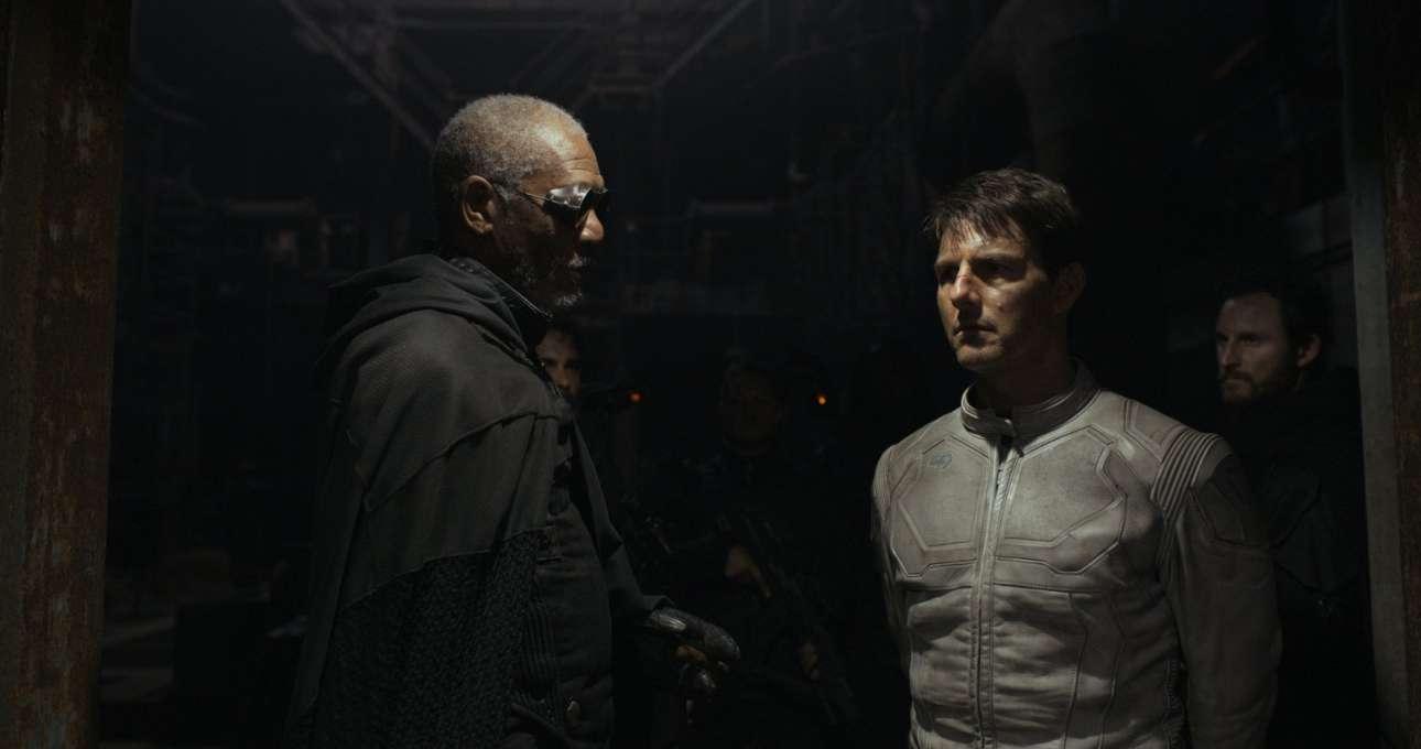 Με τον Τομ Κρουζ στο φιλμ επιστημονικής φαντασίας «Oblivion» (2013)