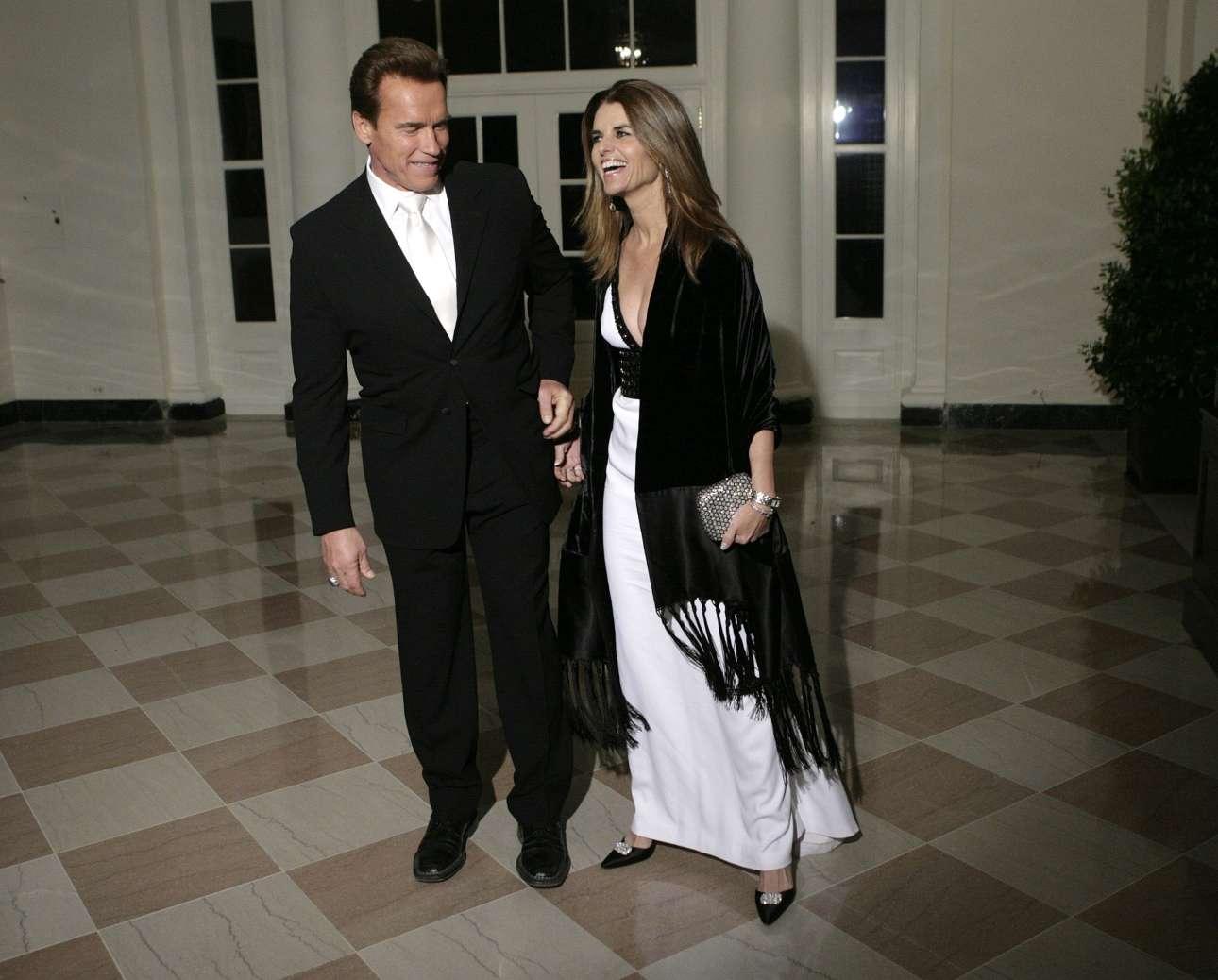 Στον Λευκό Οίκο το 2006 με τη Μαρία Σράιβερ. Με την ανιψιά του JFK γνωρίστηκαν στις αρχές της δεκαετίας του 1980 και παντρεύτηκαν το 1986
