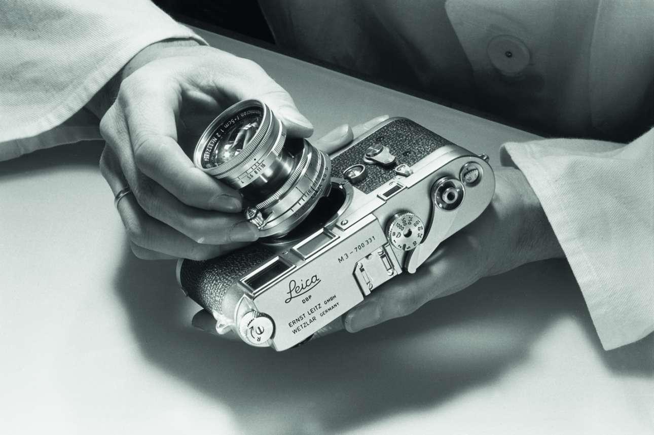 Συναρμολογώντας την εμβληματική κάμερα