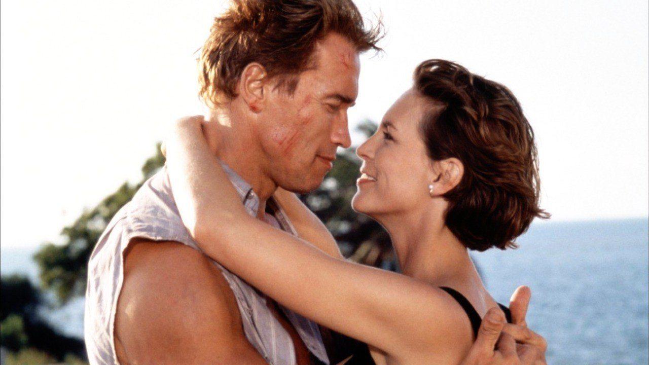 Επιστροφή στη δράση. Με την Τζέιμι Λι Κέρτις και πάλι υπό τις σκηνοθετικές οδηγίες του Τζέιμς Κάμερον στο «True Lies» το 1994