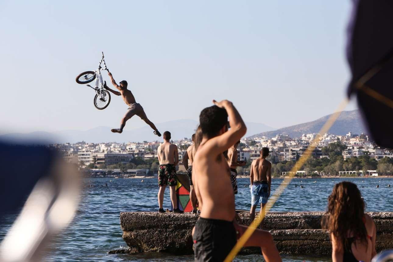 Ενας ιπτάμενος ποδηλάτης