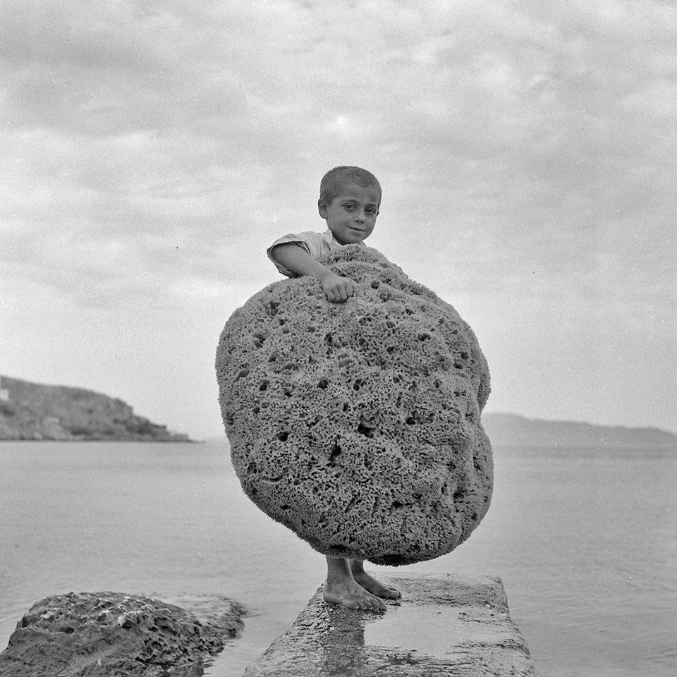 Ενας λιλιπούτειος σφουγγαράς στην Κάλυμνο, 1950