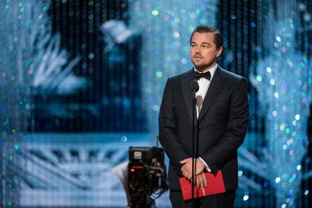 epa05818054 A handout photo made available by the Academy of Motion Picture Arts and Science (AMPAS) on 26 February 2017 shows Leonardo Di Caprio during the 89th annual Academy Awards ceremony at the Dolby Theatre in Hollywood, California, USA, 26 February 2017. The Oscars were presented for outstanding individual or collective efforts in 24 categories in filmmaking.  EPA/AARON POOLE / AMPAS THE IMAGE MAY NOT BE ALTERED AND IS FREE FOR EDITORIAL USE ONY IN REPORTING ABOUT THE EVENT. ONE TIME USE ONLY. MANDATORY CREDIT. HANDOUT EDITORIAL USE ONLY/NO SALES