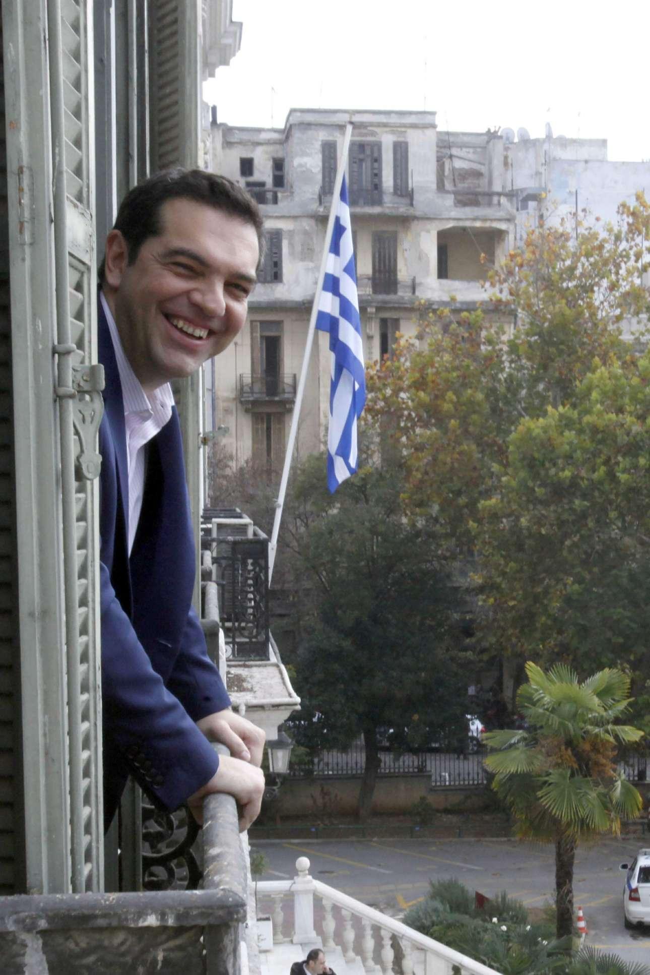 Ωραία και η θέα από τον πρώτο όροφο του Διοικητηρίου της Θεσσαλονίκης, εκεί όπου στεγάζεται το υπουργείο Μακεδονίας-Θράκης και φυσικά το Γραφείο του Πρωθυπουργού