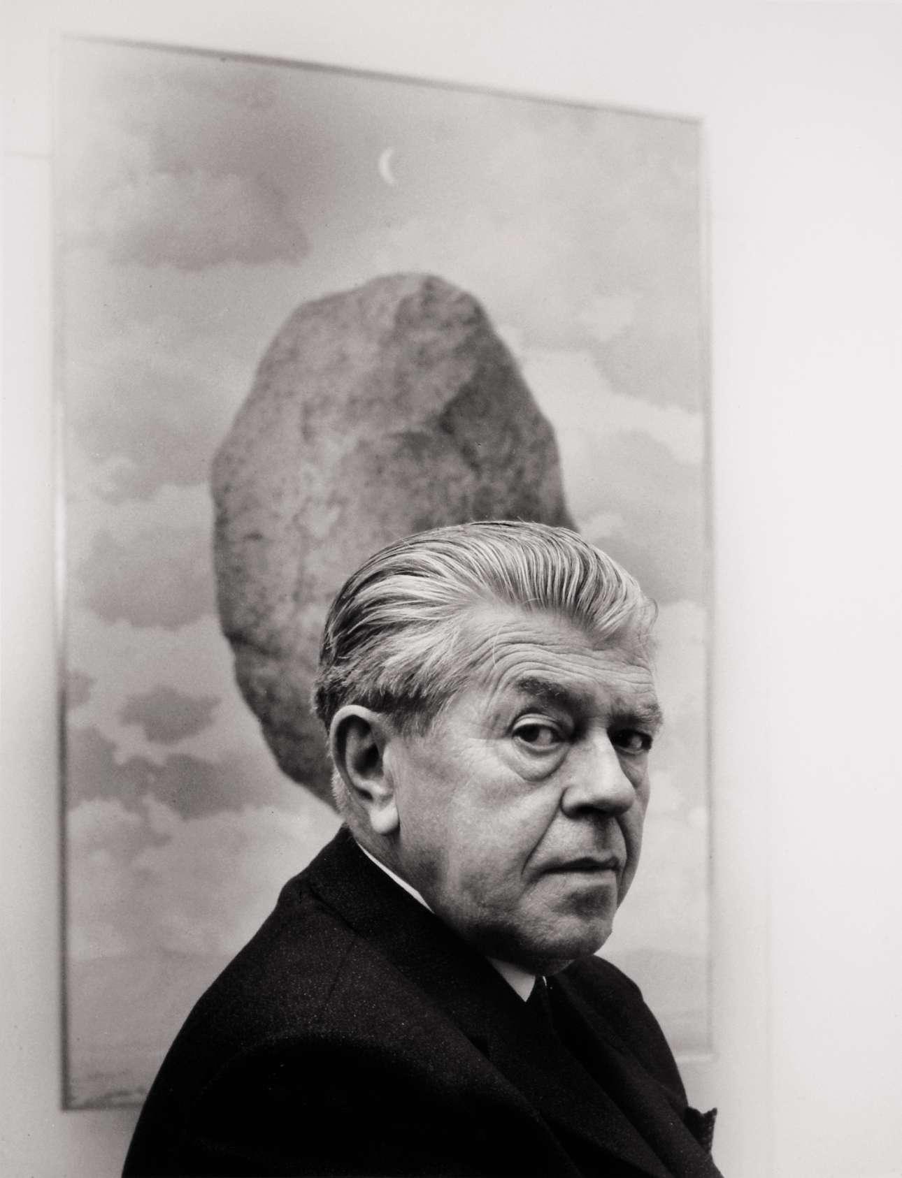 1_René Magritte_Shunk Kender_Rene Margitte in front of Le sens de realite
