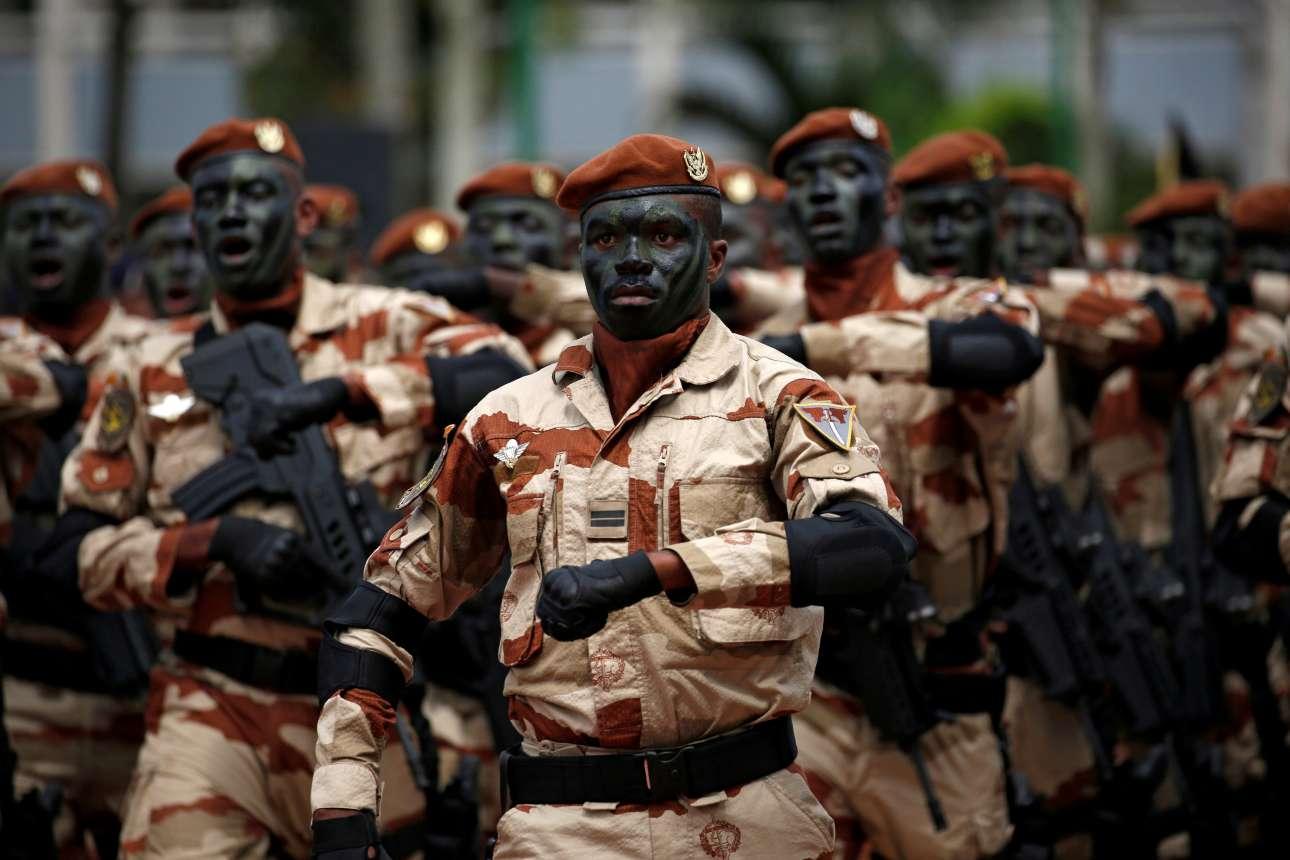 Δευτέρα, 7 Αυγούστου. Ειδικές Δυνάμεις του στρατού της Ακτής Ελεφαντοστού παρελαύνουν για να τιμήσουν την ημέρα ανεξαρτησίας της χώρας τους