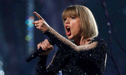 2017-08-12T015841Z_1641493134_RC17AA1CFD80_RTRMADP_3_PEOPLE-TAYLORSWIFT-DISMISSAL