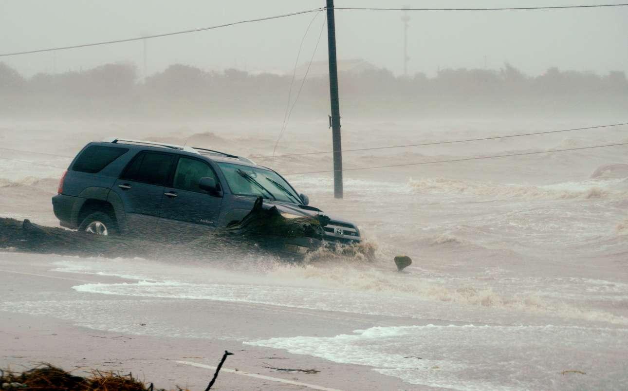 Σε πολλά σημεία των ακτών η στάθμη της θάλασσας σημείωσε ξαφνική άνοδο, με καταστροφικές συνέπειες