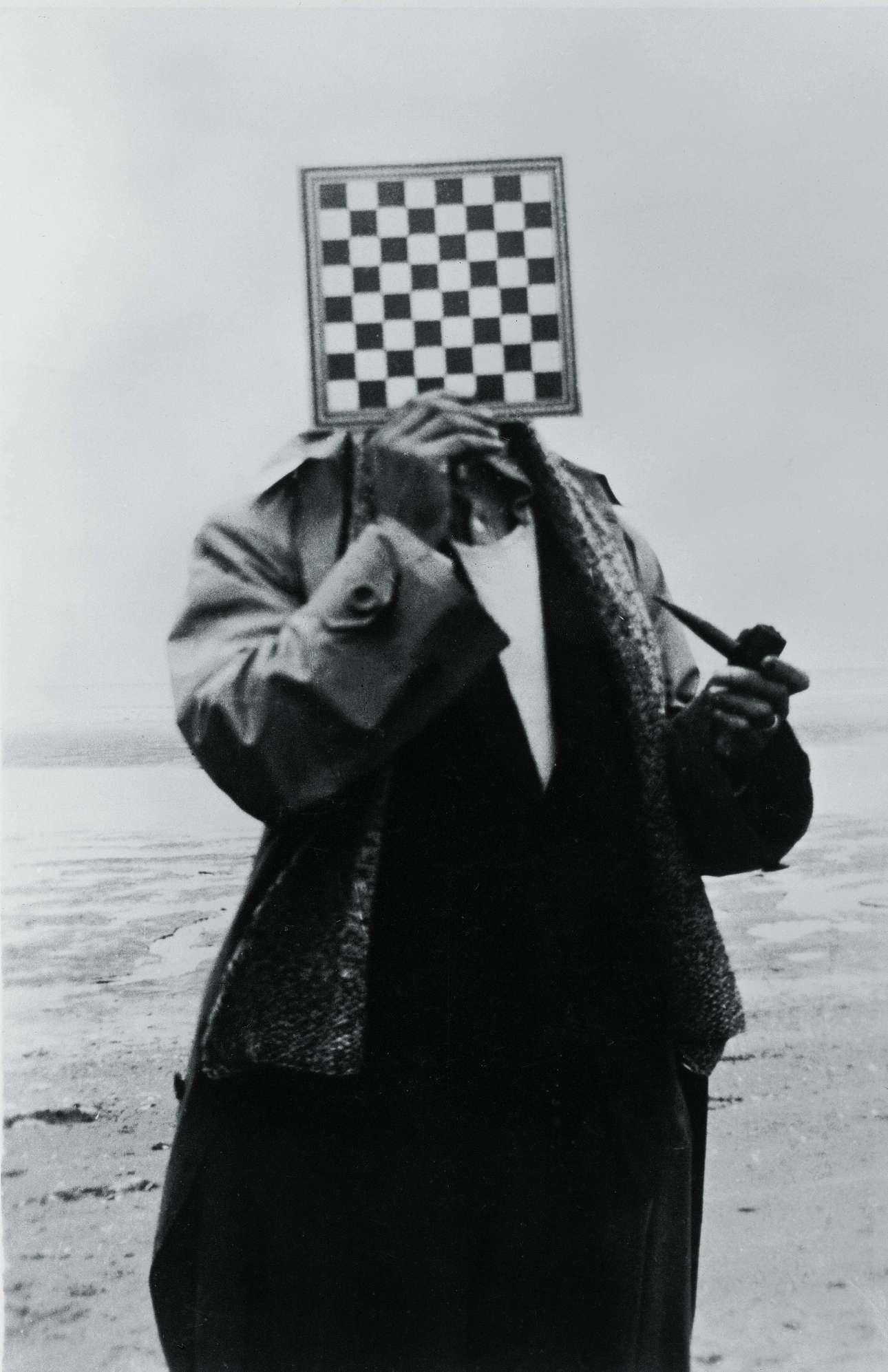 5_René Magritte_The Giant(Le Géant)