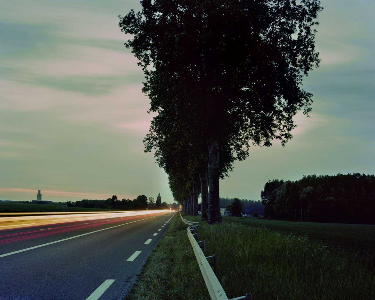 Αλμπέρ Καμί, Route Nationale 5, Γαλλία, 4 Ιανουαρίου 1960. Ο σπουδαίος συγγραφέας και φιλόσοφος έχασε τη ζωή του σε αυτό το δρόμο, όταν το αυτοκίνητο μάρκας Facel-Vega στο οποίο επέβαινε προσέκρουσε σε πλάτανους. Ο Καμί σκοτώνεται ακαριαία, ο Μισέλ Γκαλιμάρ -φίλος, εκδότης του και οδηγός- πέθανε έξι μέρες αργότερα. Τα αίτια του δυστυχήματος δεν διαπιστώθηκαν ποτέ