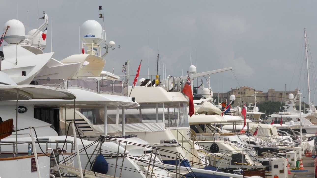 Antibes-harbor-Stephen Colebourne