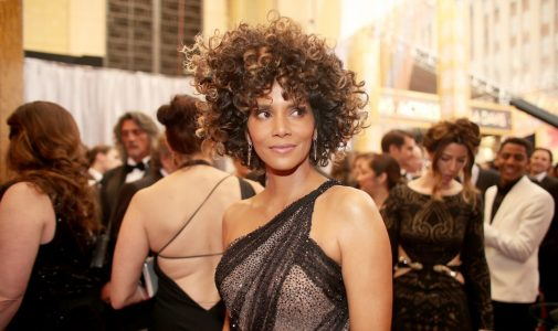 HOLLYWOOD, CA - FEBRUARY 26:  Actor Halle Berry attends the 89th Annual Academy Awards at Hollywood & Highland Center on February 26, 2017 in Hollywood, California.  (Photo by Christopher Polk/Getty Images)