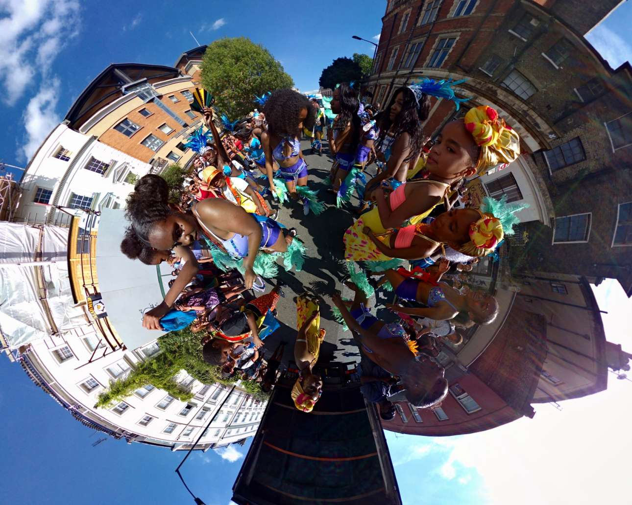 Μία φωτογραφία 360 μοιρών αποτυπώνει την ατμόσφαιρα που επικρατούσε στη διάσημη γειτονιά