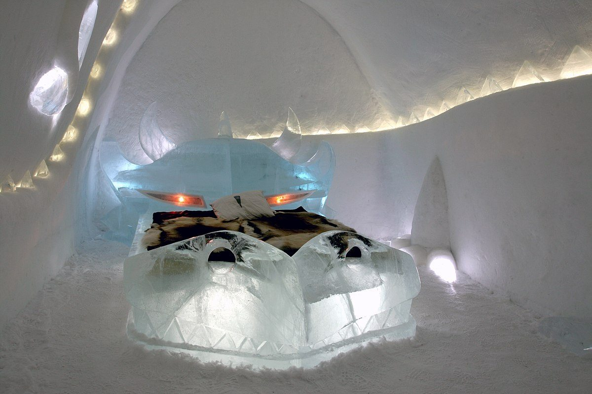 The Banished Dragon room_icehotel