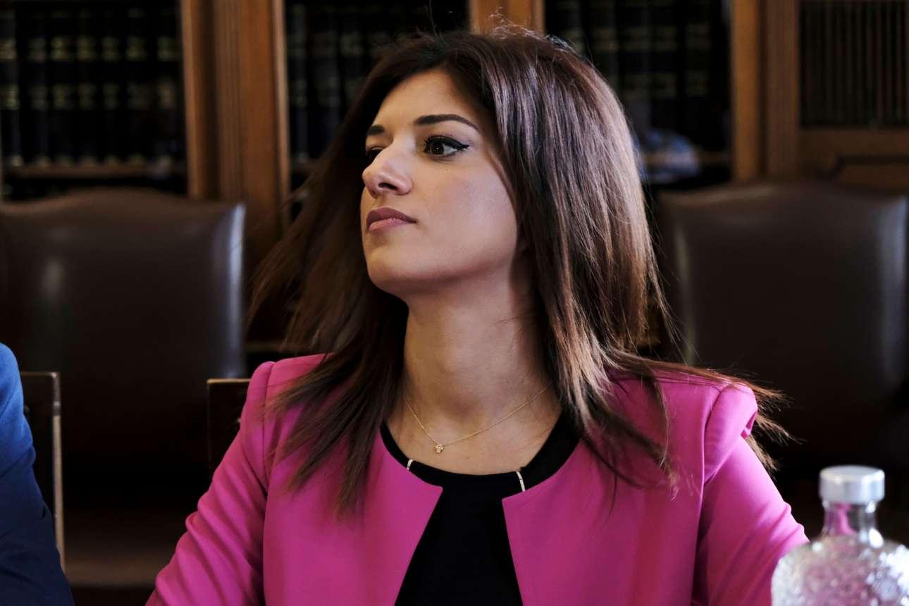 Κατερίνα Νοτοπούλου, η επικεφαλής του γραφείου. Η υπουργός Μακεδονίας-Θράκης την έχει, λέει, σαν κόρη της... (SOOC)