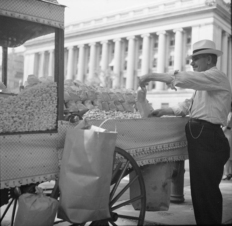 peanut_vendor_1940-760x739