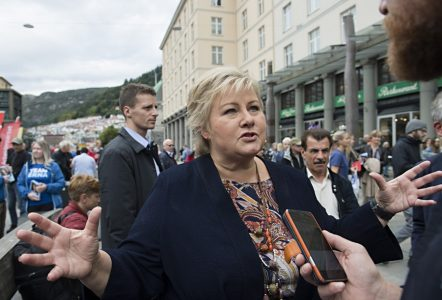 epa06192541 Norway's Prime Minister and leader of the Conservative Party, Erna Solberg, at an election campaign event in Bergen, Norway, 08 September 2017. The Norwegian parliamentary election is set to take place on 11 September 2017.  EPA/MARIT HOMMEDAL NORWAY OUT