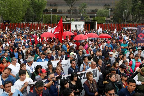 2017-09-01T181949Z_785499536_RC1B27B4F850_RTRMADP_3_TRADE-NAFTA-MEXICO-PROTEST