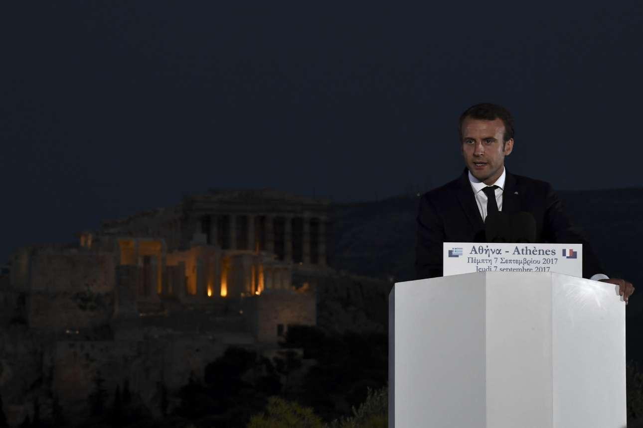 Πέμπτη, 7 Σεπτεμβρίου. Ο πρόεδρος της Γαλλίας, Εμανουέλ Μακρόν στον Λόφο της Πνύκας σε έναν λόγο για την Δημοκρατία με φόντο τον εμβληματικό Παρθενώνα