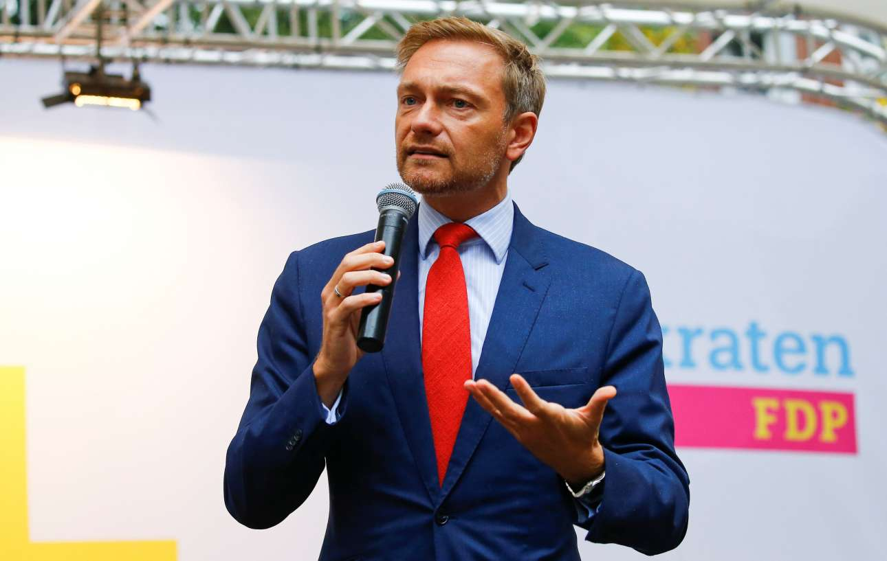 2017-09-08T144125Z_198907704_RC1B05930160_RTRMADP_3_GERMANY-ELECTION-LINDNER