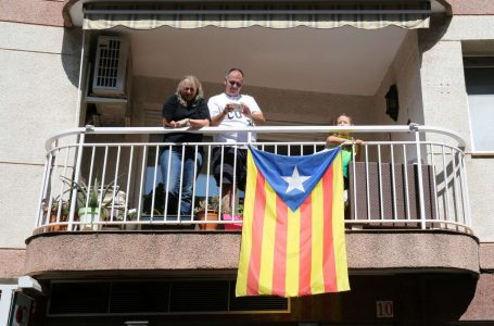 2017-09-10T174124Z_67461223_RC167C104810_RTRMADP_3_SPAIN-POLITICS-CATALONIA