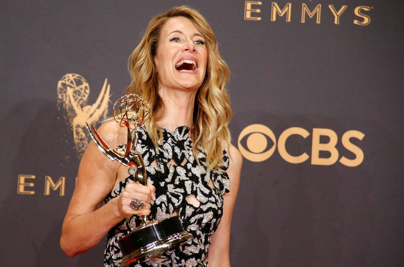 Η Λόρα Ντερν με το βραβείο β΄ γυναικείου ρόλου για την ερμηνεία της στο «Big Little Lies»