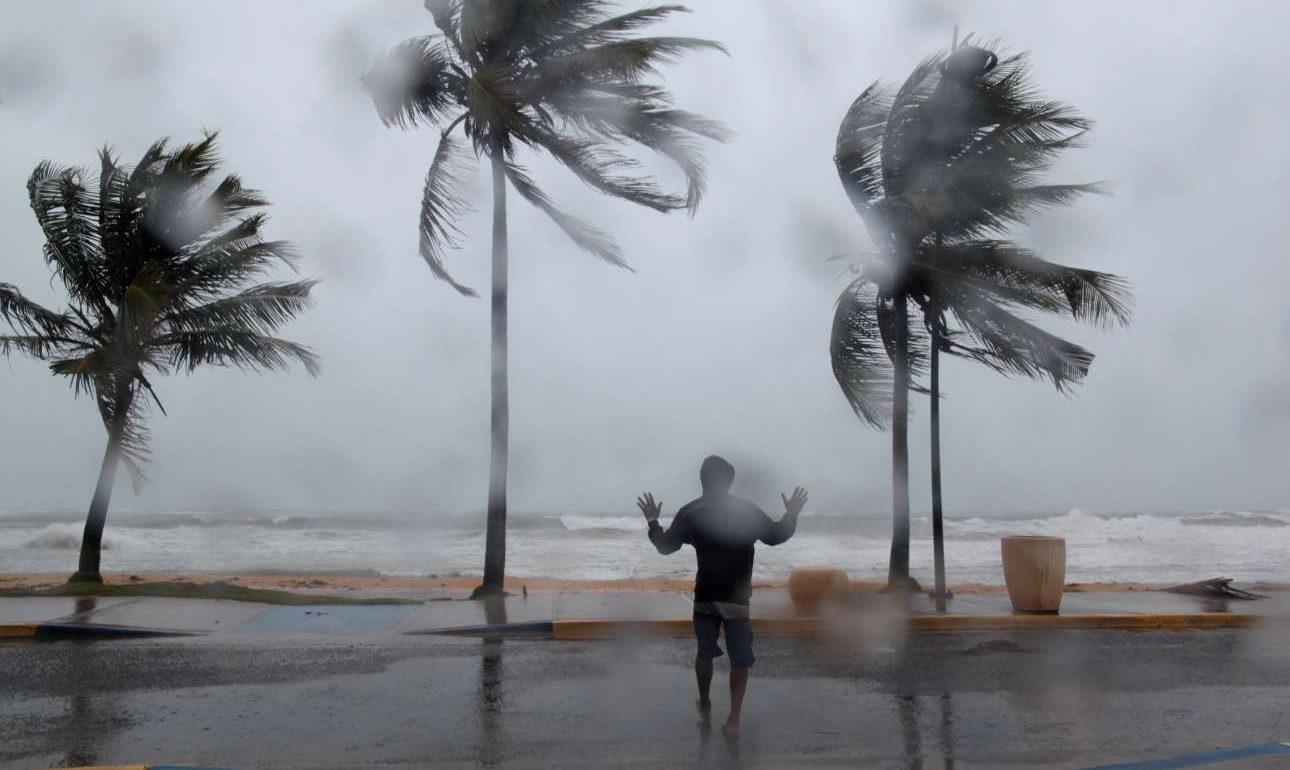 Πουέρτο Ρίκο, ο θαρραλέος τα «βάζει» με τα στοιχεία της Φύσης. Για πόσο...