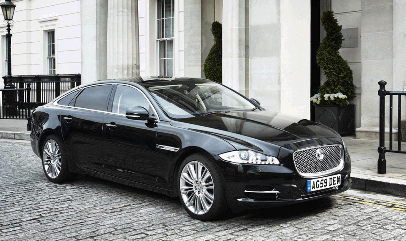 Jaguar XJ Sentinel_Theresa Mey