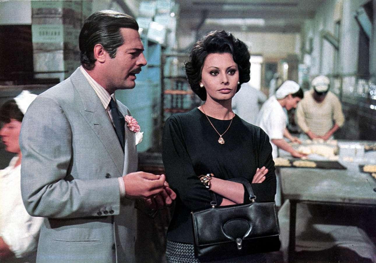 Με τον Μαρτσέλο Μαστρογιάνι στο «Γάμος α λα ιταλικά» (1964)
