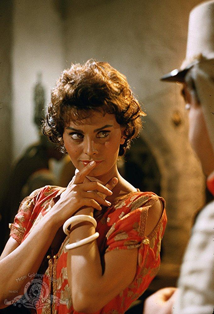 Η Λόρεν υποδύεται την πόρνη με το όνομα Ντίτα, στην ταινία «Legend Of The Lost» με συμπρωταγωνιστή τον Τζον Γουέιν, 1957