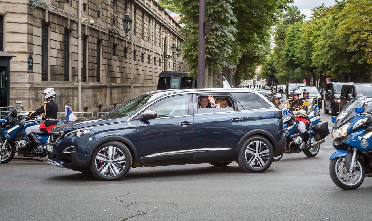 Peugeot 5008-Macron