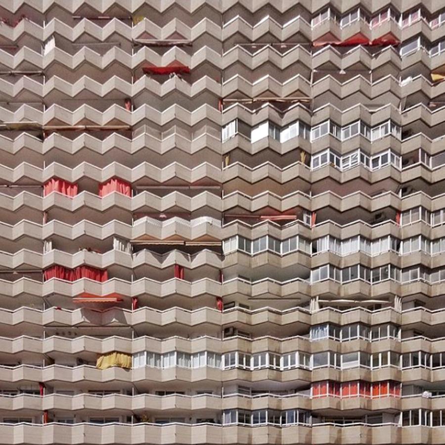 Απίθανη αρχιτεκτονική στην περιοχή Les Corts