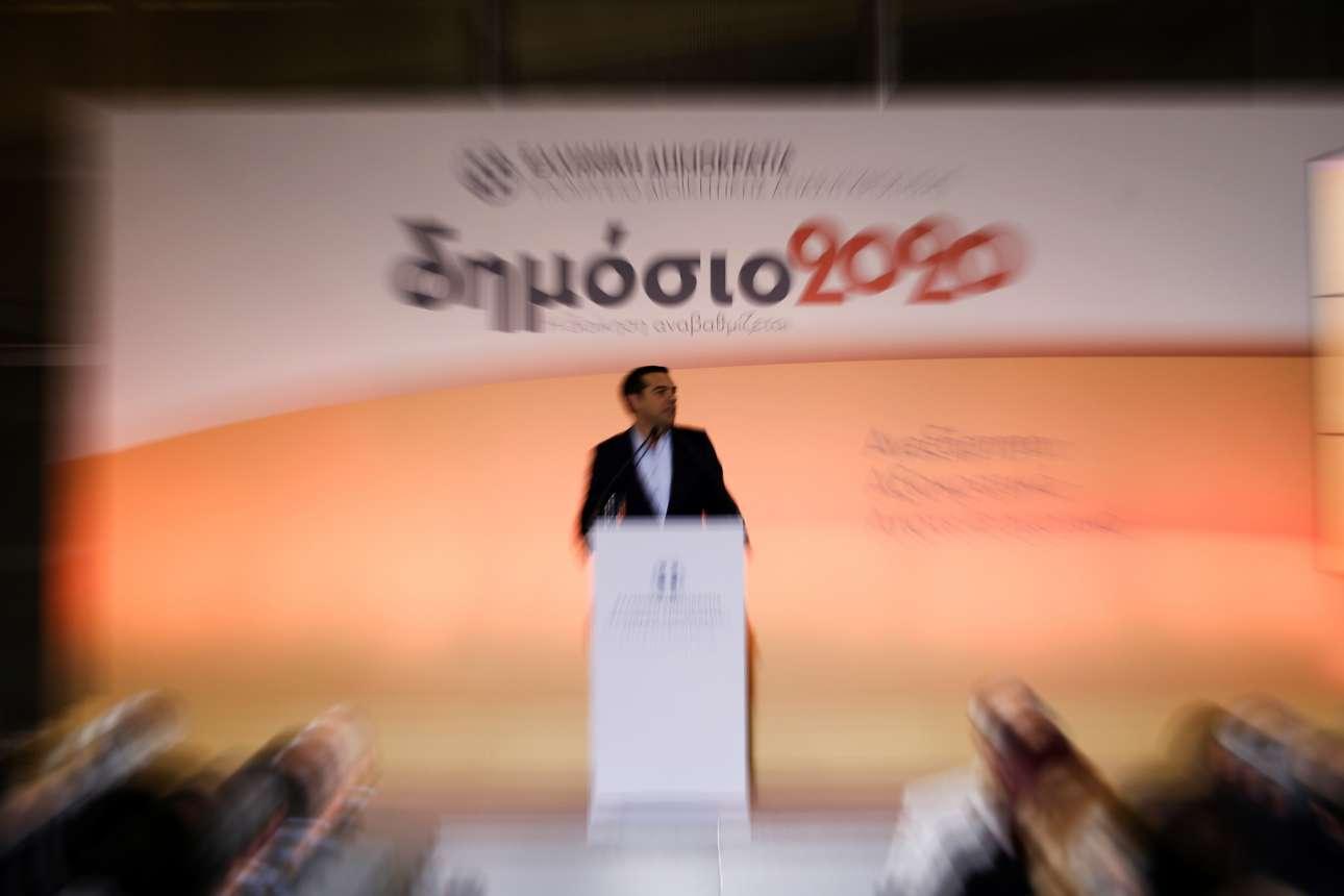 Παιχνίδι του φακού στη διάρκεια της ομιλίας του Αλέξη Τσίπρα στην κυβερνητική φιέστα για το Δημόσιο του 2020 την περασμένη Τετάρτη / SOOC