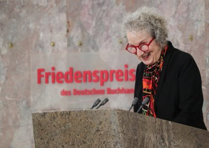 epa06267082 Canadian writer Margaret Atwood speaks after being awarded with Peace Prize of the German Book Trade during the awarding ceremony of the Peace Prize of the German Book Trade in Frankfurt Main, Germany, 15 October 2017. Atwood was awarded with the Peace Prize of the German Book Trade by the German Publishers and Booksellers Association (Boersenverein des Deutschen Buchhandels) on the sidelines of the Frankfurt Book Fair.  EPA/ARMANDO BABANI