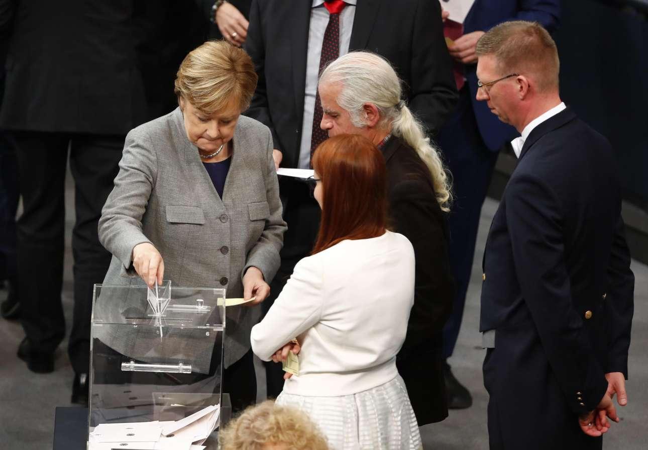 2017-10-24T102410Z_1372014781_UP1EDAO0SW92K_RTRMADP_3_GERMANY-POLITICS