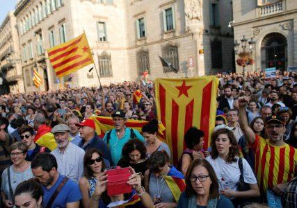 2017-10-27T152557Z_476867230_RC18A9C570C0_RTRMADP_3_SPAIN-POLITICS-CATALONIA