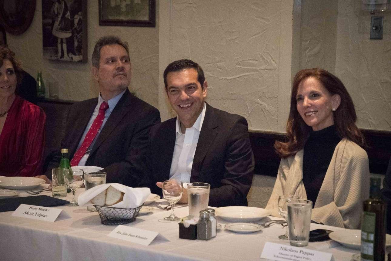 Στιγμιότυπο από το δείπνο εργασίας που είχε ο κ. Τσίπρας με πολιτικούς του Ιλινόι και εκπροσώπους ομογενειακών οργανώσεων