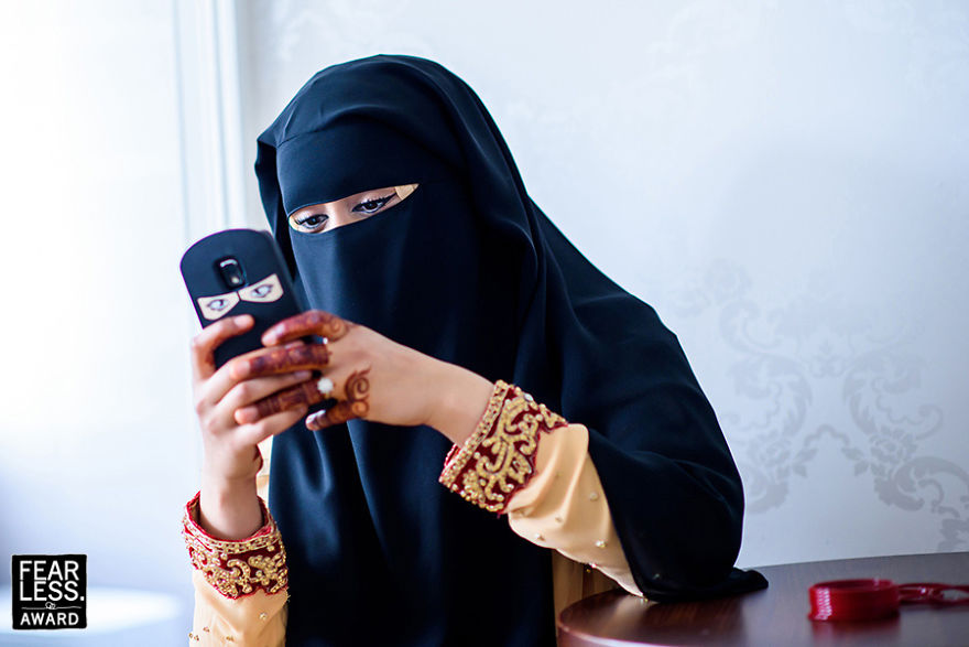 Καλεσμένη γάμου και η «mini me» εκδοχή της σε κινητό