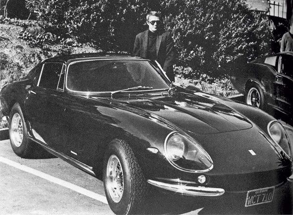 Ο Στιβ Μακ Κουίν, το 1967, με μια Ferrari 275 GTB/4 Scaglietti (Ferrari)