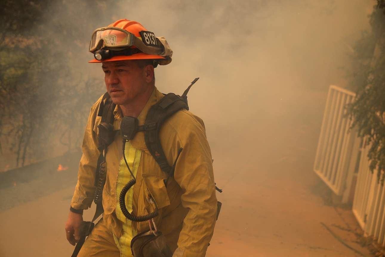 Πυροσβέστης στην πόλη Γιάντβιλ